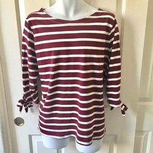 🆕🔥 Old Navy Burgundy White Stripped Top XL